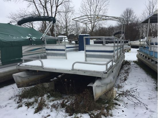 Picture of 1974 24' Crest Pontoon with a 2003 Mercury 25hp